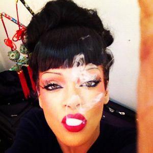 Rihanna Geisha