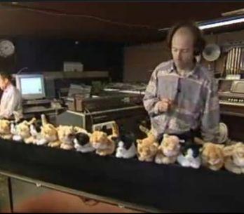 Insolite : Il joue du piano à chat ! (Vidéo)