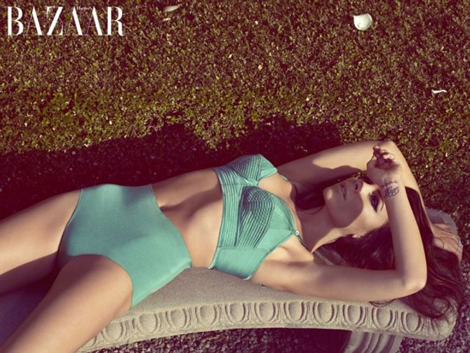 Victoria Beckham, en maillot, Harper's Bazaar