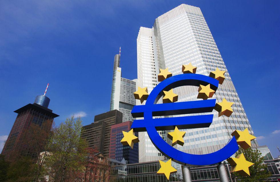 C'est noël : la BCE offre 498 Md'€ aux banques européennes