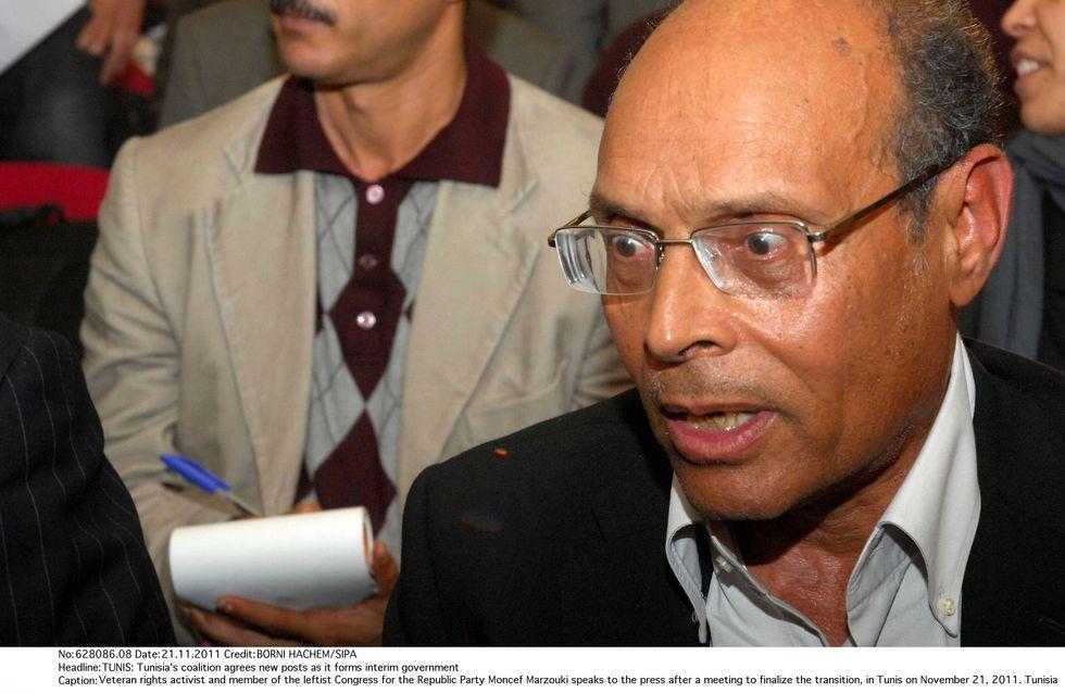 Moncef Marzouki : Un premier affront aux femmes non-voilées ?
