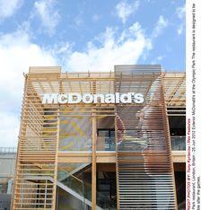 McDonald's : Un malvoyant expulsé du fast-food des Champs-Elysées