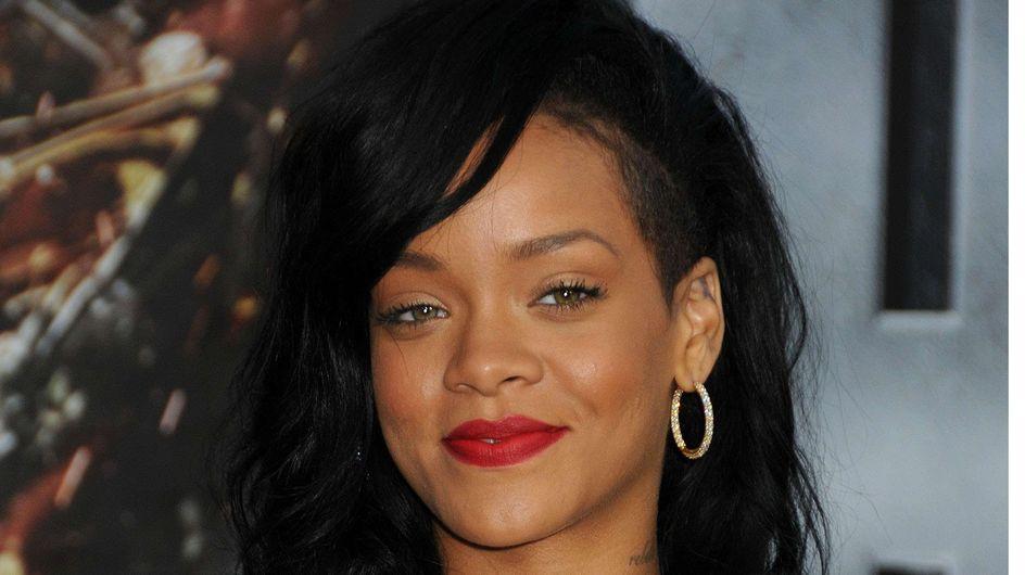Rihanna : A moitié nue à Saint-Tropez !