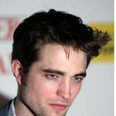 Robert Pattinson : Son rival jette l'éponge !