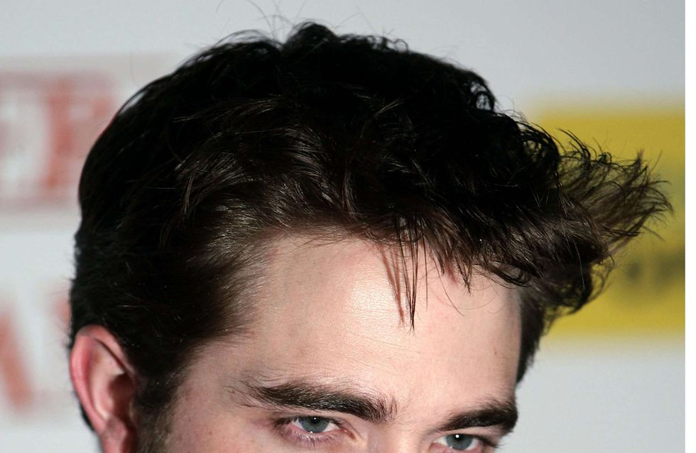 Robert Pattinson : Son rival jette l'éponge !