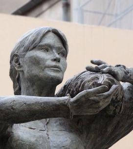 Carla Bruni : Une statue à son effigie