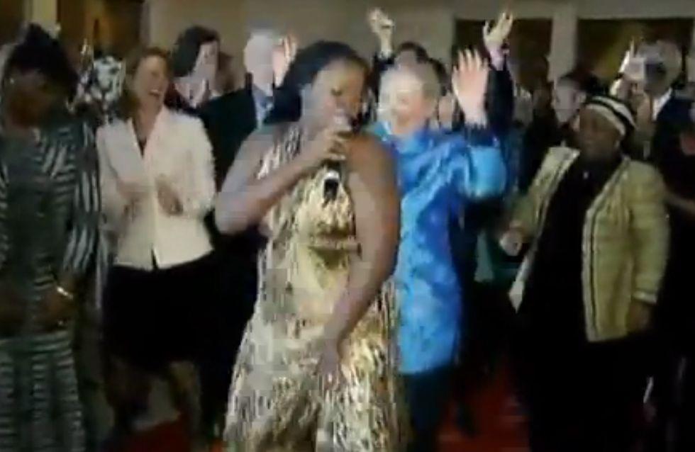 Hillary Clinton se met à la danse africaine (vidéo)