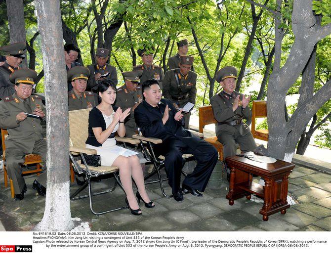 La Première Dame de Corée du Nord et sa pochette Dior