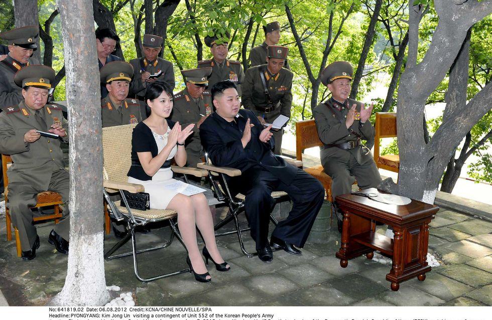 La fouine de la semaine : La Première Dame de Corée du Nord et sa pochette Dior