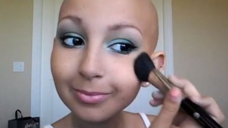 Cancer : Les tuto beauté d'une ado malade cartonnent sur YouTube