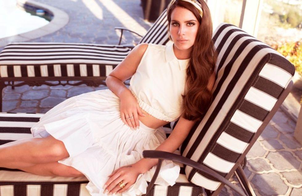 Lana Del Rey : Elle roule pour Jaguar ! (Photos)