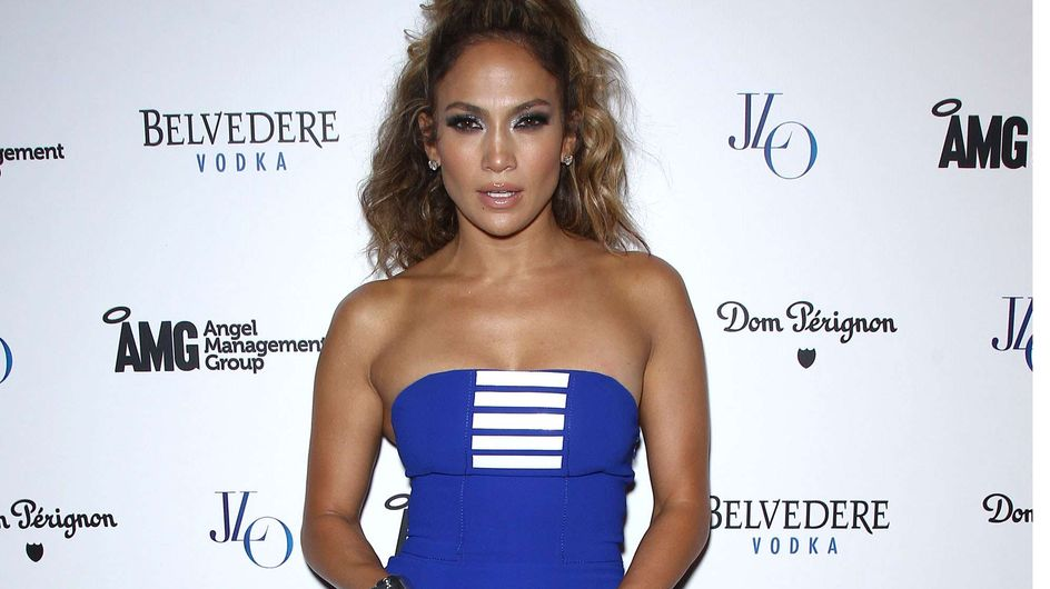 Jennifer Lopez : Canon dans sa robe d'inspiration croisière