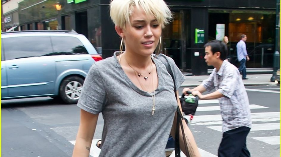 Miley Cyrus : On aime son t-shirt cool et sexy ! (Photos)