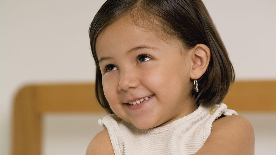 Faut-il continuer à percer les oreilles des enfants ?