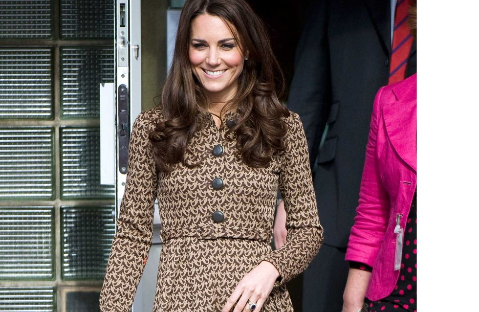 Kate Middleton : Au top de la tendance dans sa robe-manteau