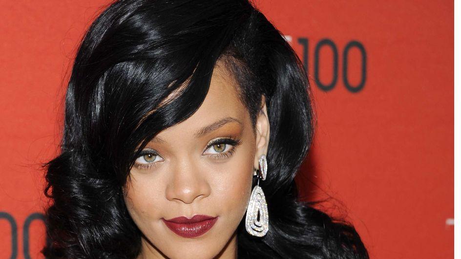 Rihanna : Elle sort les cuissardes ! (Photos)