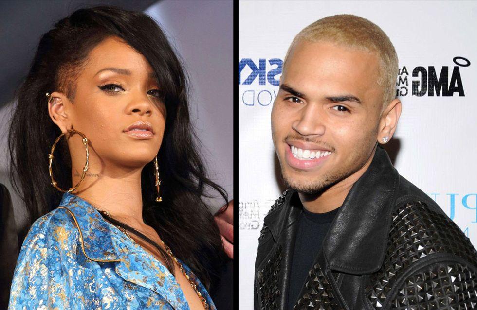 Rihanna : Elle a embrassé Chris Brown aux MTV VMA (Vidéo)