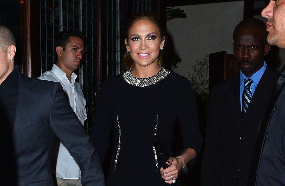 Jennifer Lopez : Tellement chic dans une robe Paule Ka (Photos)