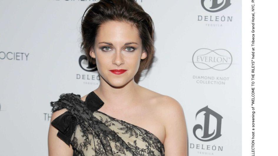 Kristen Stewart : Elle reste fidèle à Balenciaga (Vidéo)