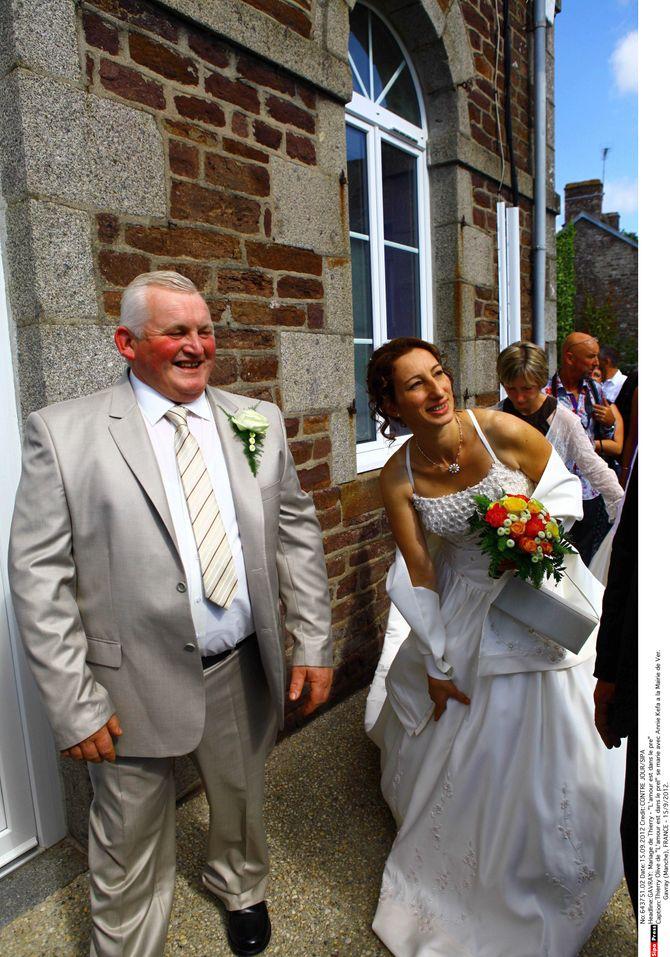Mariage de Thierry et Annie de L'Amour est dans le pré