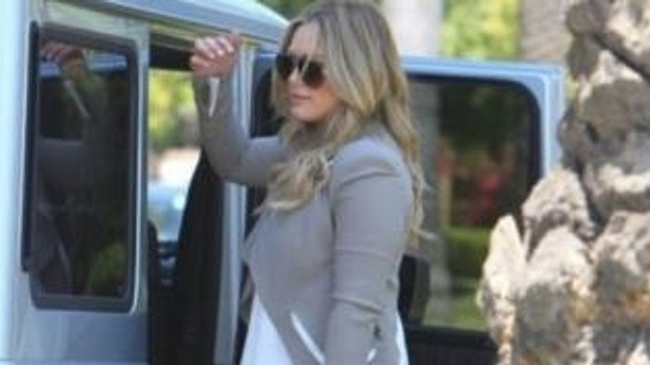Hilary Duff : Elle ne quitte plus son it-bag Abaco (Photos)
