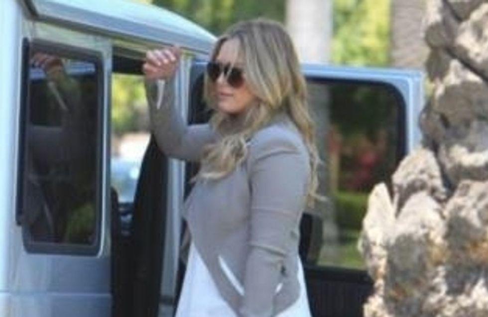 Hilary Duff : Elle ne quitte plus son it-bag Abaco (Photos)