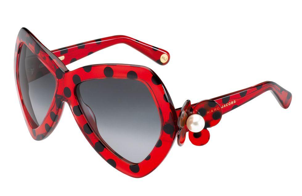 Marc Jacobs : De nouveaux modèles de lunettes rétro à shopper d'urgence ! (Photos)