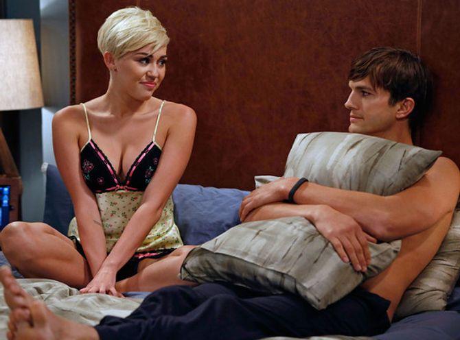 Miley Cyrus Ashton Kutcher lit Mon Oncle Charlie