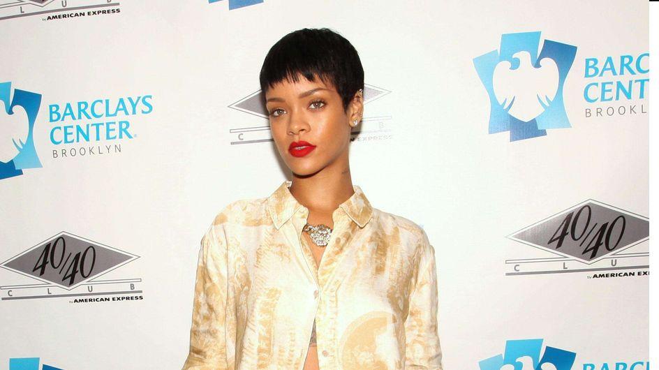 Rihanna : En pyjama sur le tapis rouge ? (Photos)