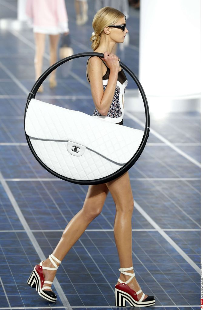 Chanel Hula-Hoop