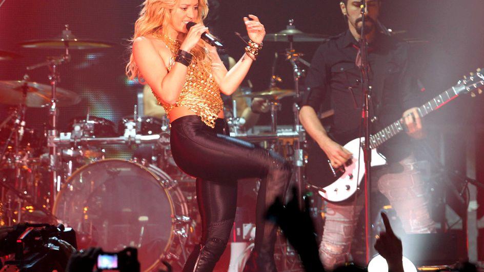 Shakira : Enceinte de 6 mois, mais déchaînée sur scène ! (Vidéo)