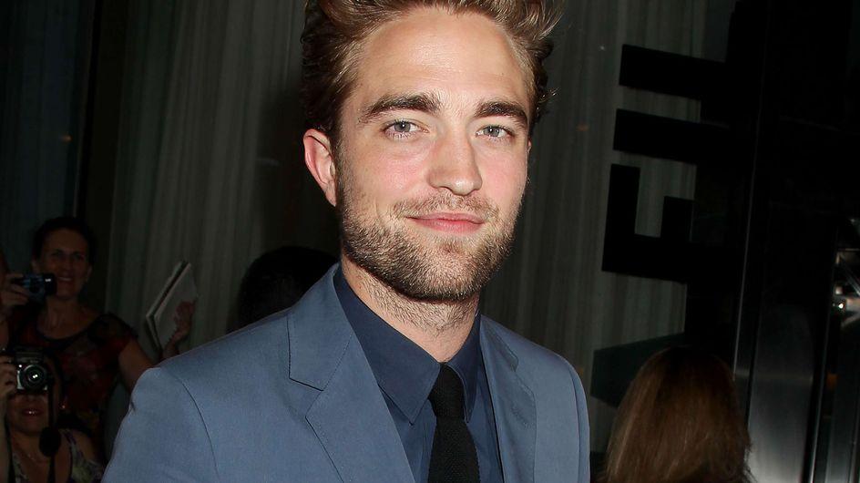 """Robert Pattinson : Prêt à """"briser les mains et la bouche"""" de celui qui a inventé son surnom (Vidéo)"""