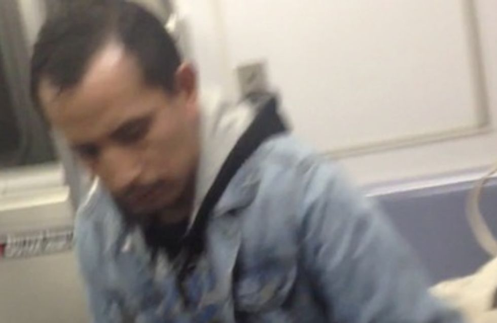 Un homme abuse d'une femme endormie dans le métro (Vidéo)