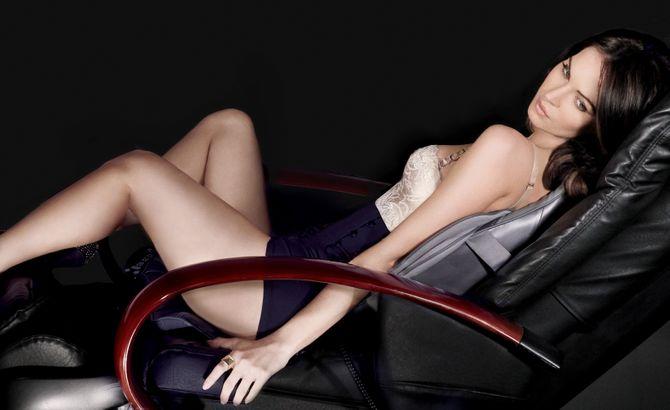 Megan Fox enceinte pub