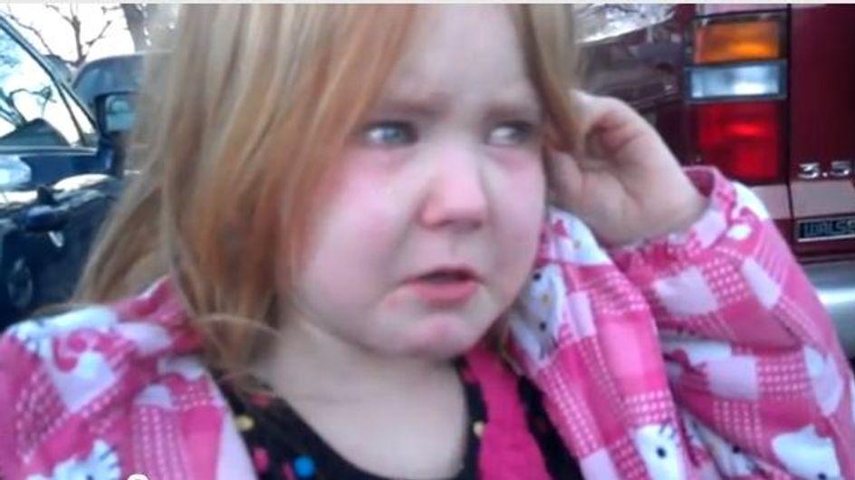Bronco Bamma Girl : La petite fille en pleurs à cause d'Obama et de Romney (Vidéo)