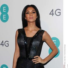 Nicole Scherzinger : Sa robe retransmet des tweets en direct ! (Photos)