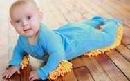 Bébé : Le pyjama-serpillière pour allier l'utile à l'agréable ! (Photos)