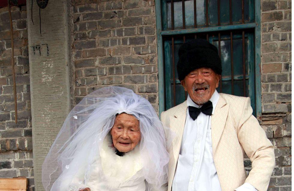 Mariage : Un couple de centenaires réitère ses voeux !(Photos)