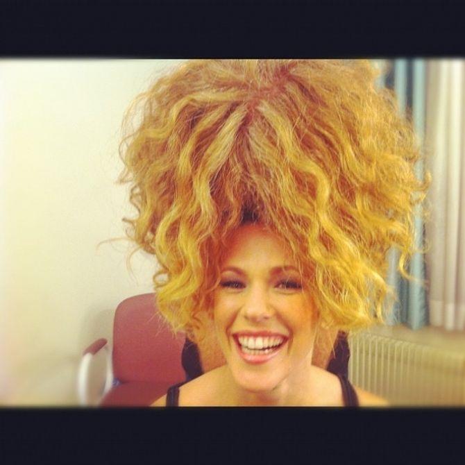 Lorie, coiffure, twitter
