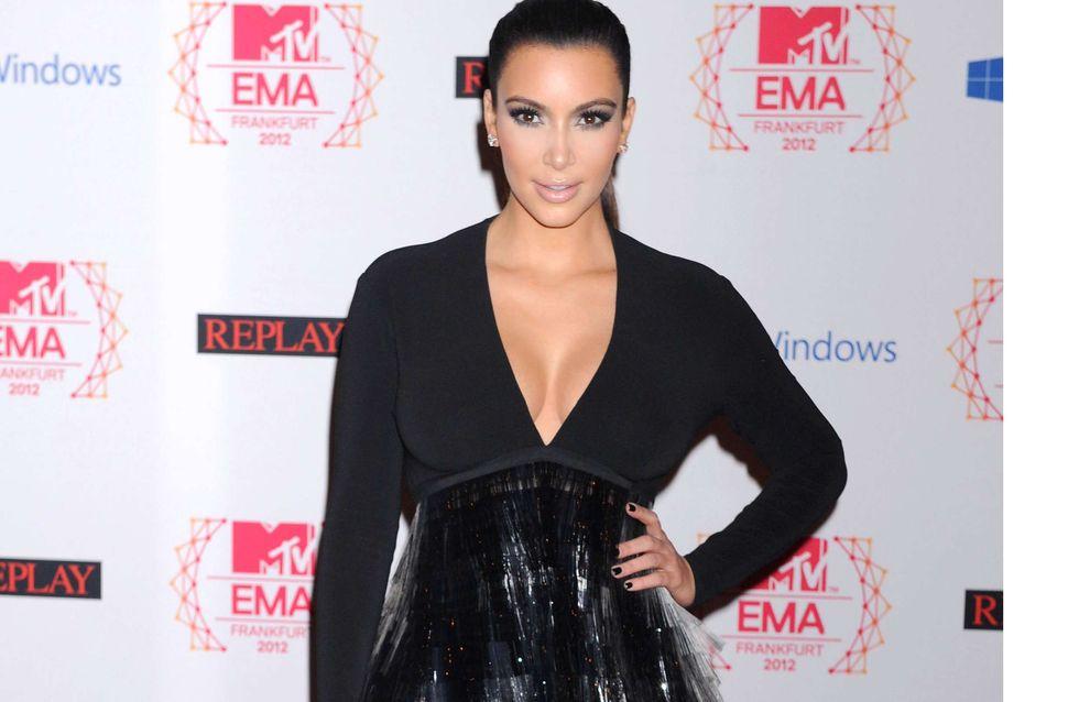 Kim Kardashian : Elle mise sur le total look black