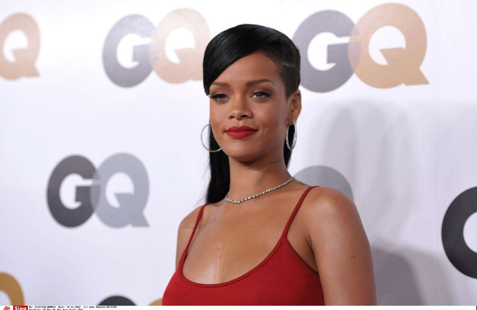 Rihanna : Envoûtante sur le tapis rouge pour GQ (Photos)
