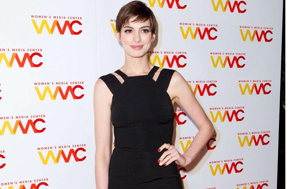 Anne Hathaway : Sublime en Victoria Beckham (Photo)