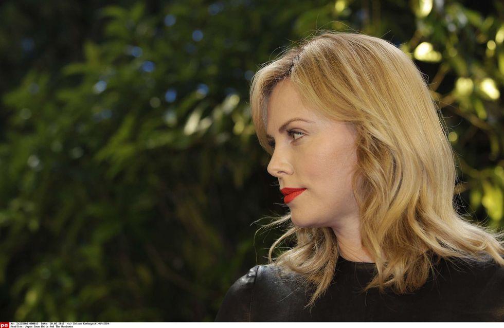 Charlize Theron : Ses secrets de beauté au naturel