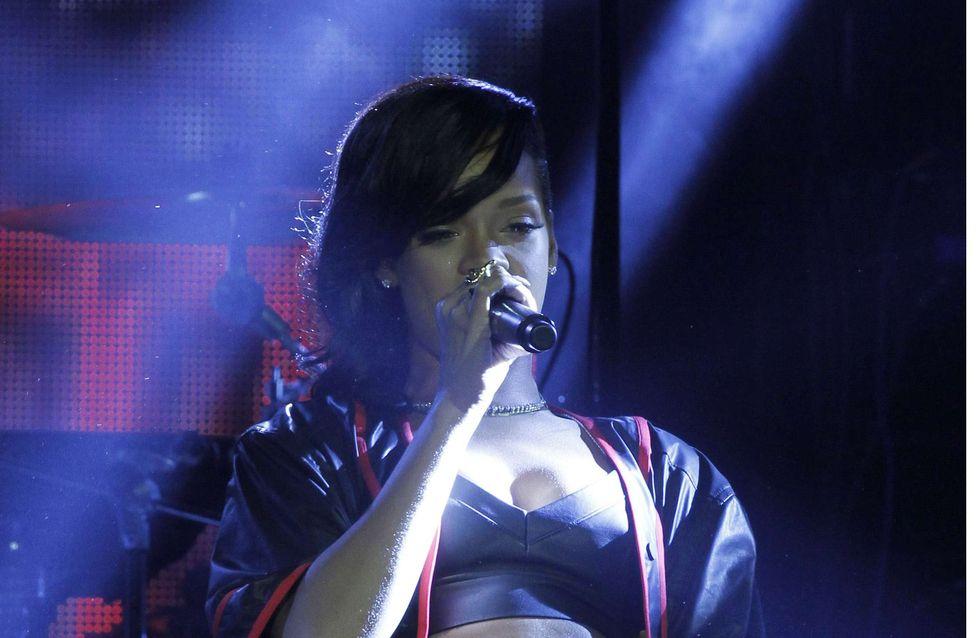 Rihanna va trop loin sur scène (Photos)