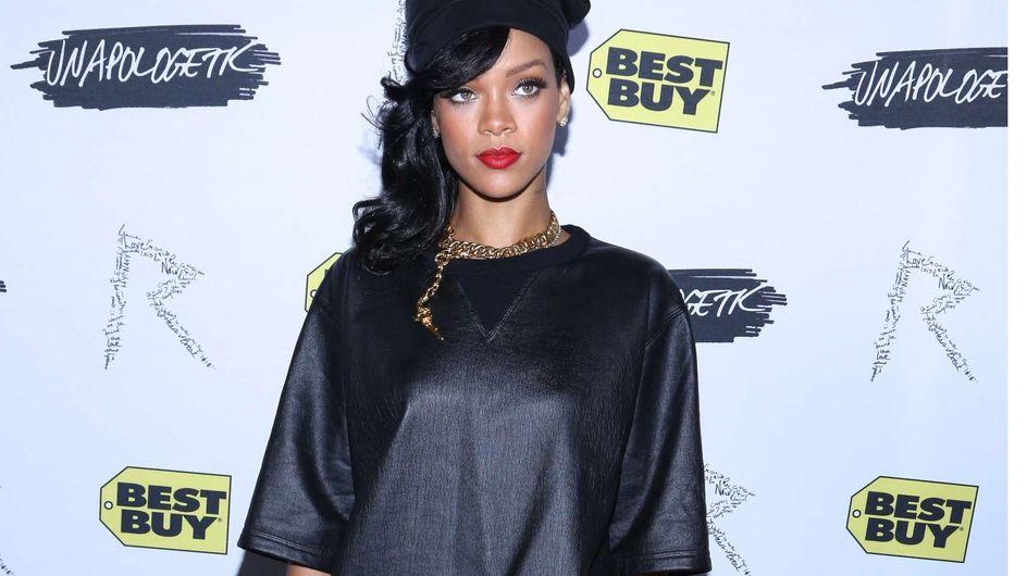 Rihanna : Son look de rappeuse... raté ! (Photos)