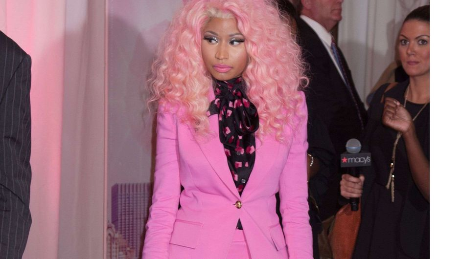 Nicki Minaj en rose bonbon, ça pique les yeux (Vidéo)