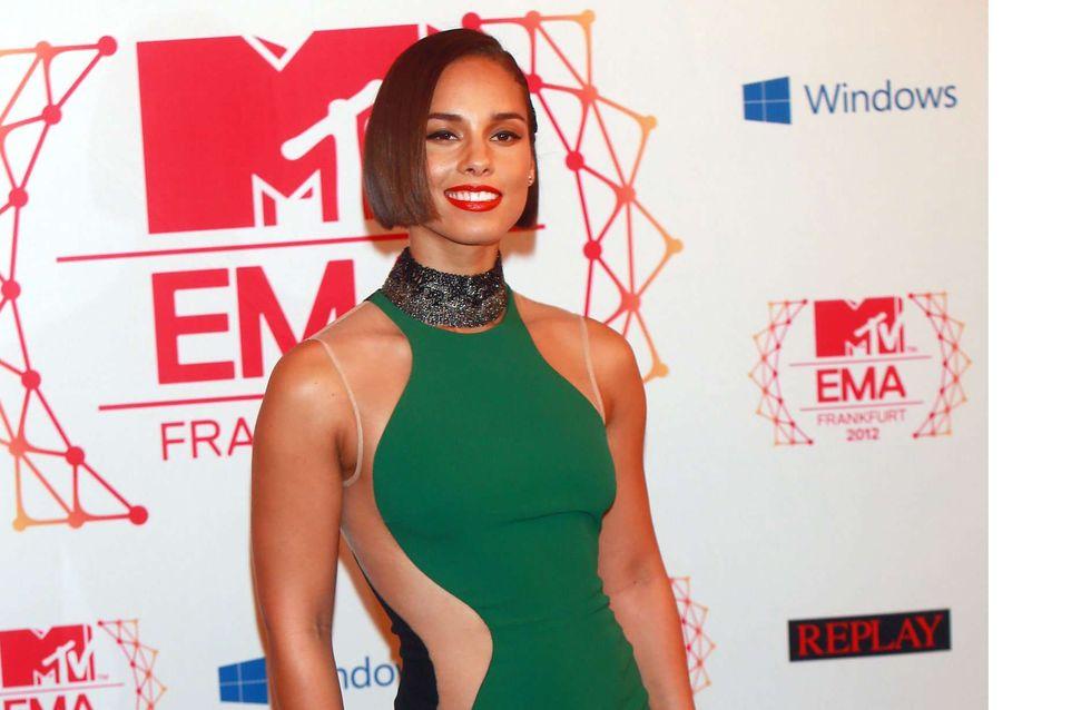 Alicia Keys : Fière de sa silhouette sexy (Photos)