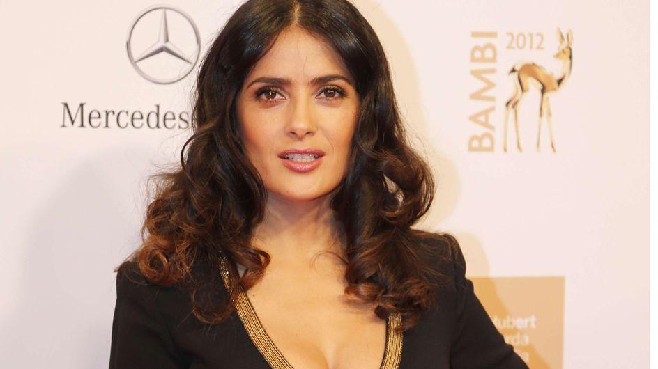 Salma Hayek : Tous seins dehors pour les Bambi Awards (Photos)