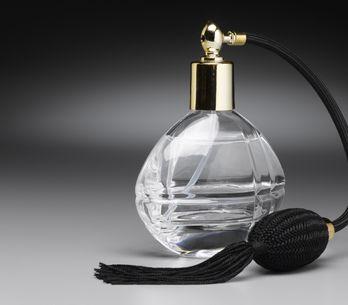 Top 5 des parfums que portent les femmes infidèles...