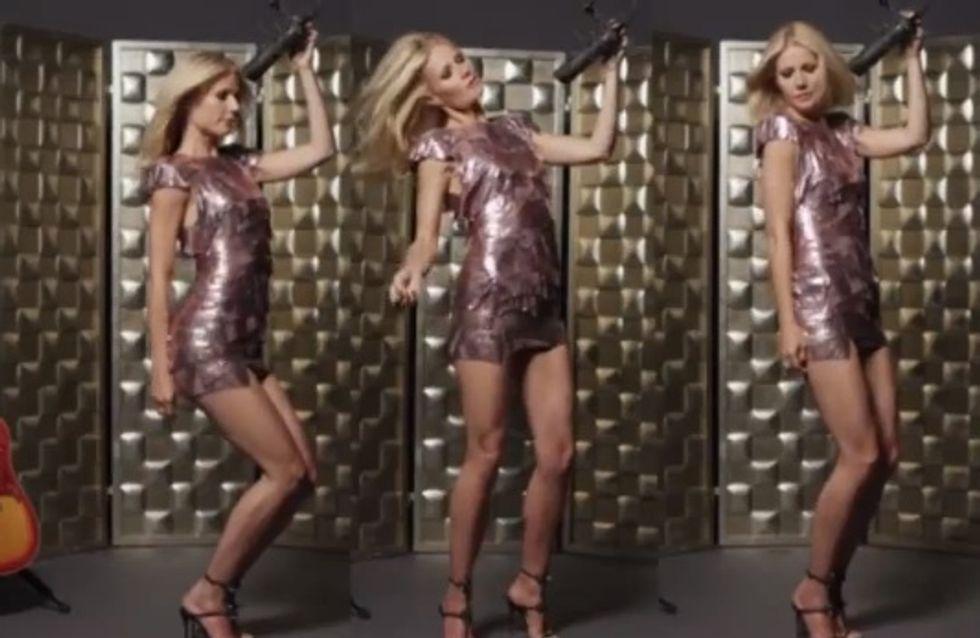 Gwyneth Paltrow : Égérie sensuelle pour les cosmétiques Max Factor (Vidéo)